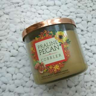 Bath & Body Works Scented Candle 411g
