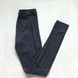 H&M 深灰色合身彈性內搭褲