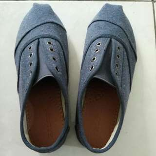 REPRICE ! Slip on shoes Zalora