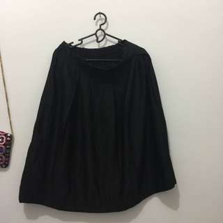 new rok/skirt hitam fit to M
