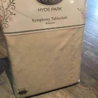 Hyde Park Antique White 150x275cm tablecloth for sale