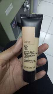 Foundation The Body Shop Matte Clay