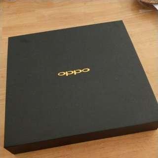 Oppo Premium Box (Worth $99)