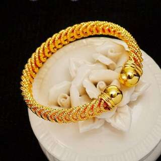 Sempoa Gold Ring