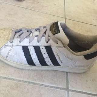 Adidas Superstar black and white us 5,5 uk 5