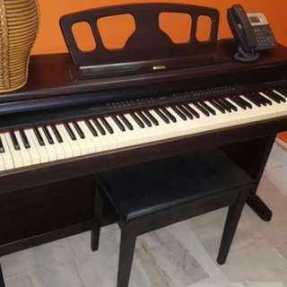 Suzuki Digital Ensemble HP-150ex [Electronic Piano]