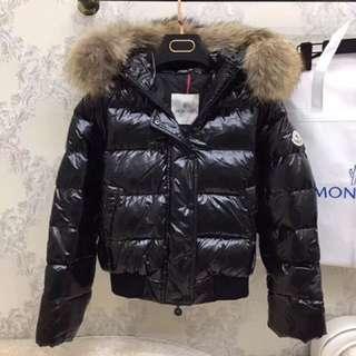 Moncler羽絨外套