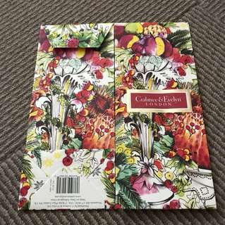 Crabtree & Evelyn gift carrier x 6