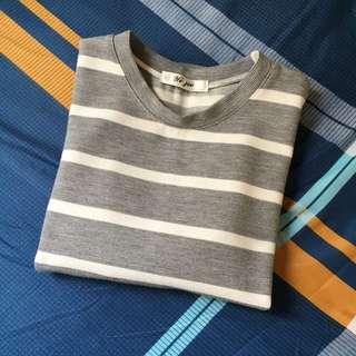 🚚 厚實質料條紋短袖上衣