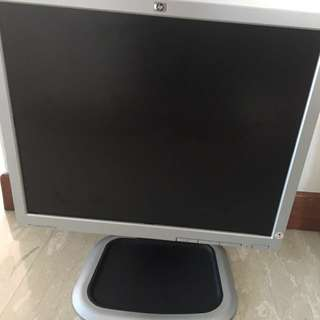 HP MONITOR (USED)