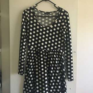 Maxim dress Size S White polka dot blue long sleeved