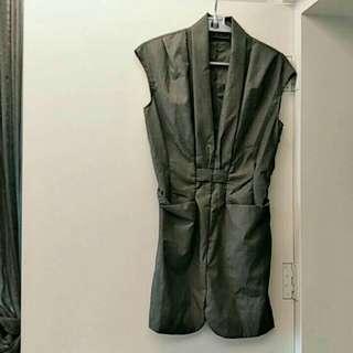 無袖造型剪裁洋裝