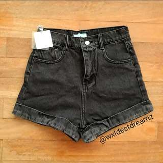 BNWT American Apparel Inspired Black Dark Washed Cuffed Black Denim Shorts  h&m cotton on factorie zara topshop zalora tem pull&bear bershka american apparel eagle outfitters aa ullzang ulzzang forever 21 f21 bnwt black denim shorts aa shorts