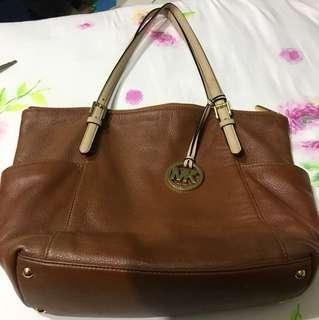 MK jet set zip tote leather brown