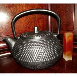 乳丁紋小鐵壺