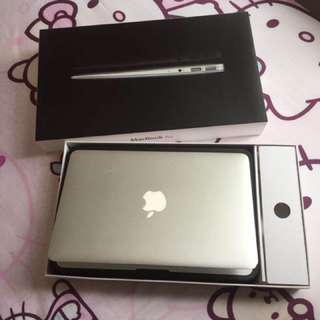 Macbook air 4G Rma 128G SSD i5