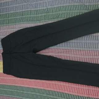 Celana bahan panjang hitam size 27
