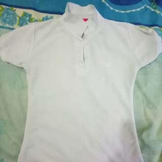 Baju Putih Berkerah