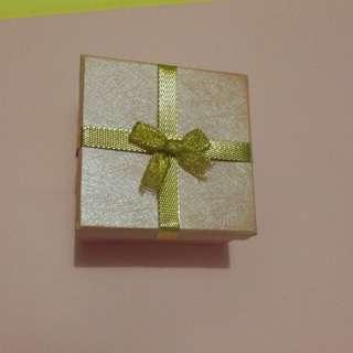 珠寶金行飾盒