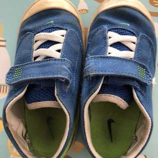 Nike boys toddler shoes