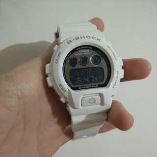 Casio G-SHOCK DW-6900-NB7 白色