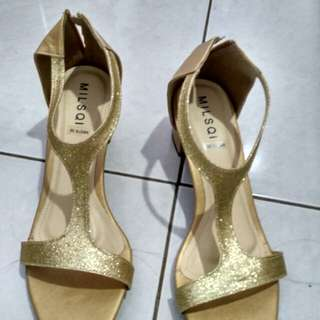 Gold shoes sale stock