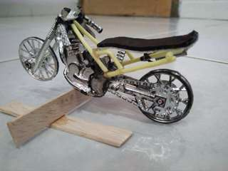 Motor drag bike mainan