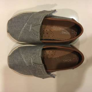 TOMS Frost grey chambray/pu baby shoe