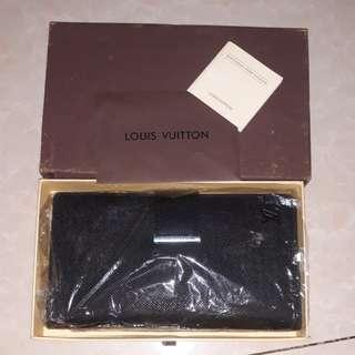 KW LOUIS VUITTON
