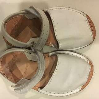 WHITE LITTLE ABARCAS sandle