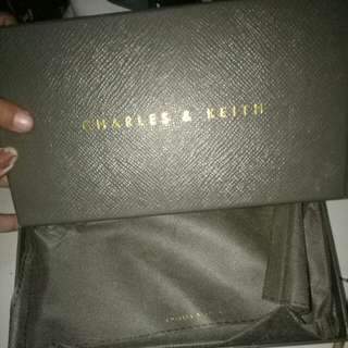 Box charles and keith