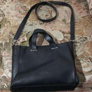 FLASHY slingbag