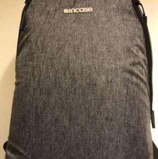 INCASE 15吋電腦後背包