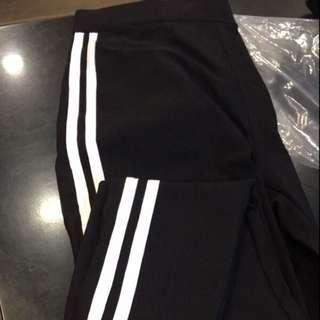 黑白條紋褲子