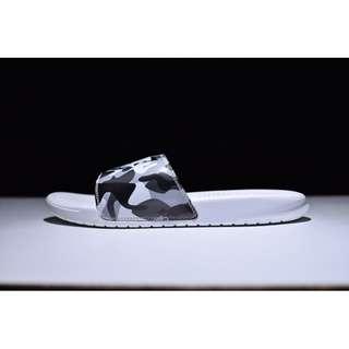 Nike 白迷彩拖鞋 618919-104 40-45
