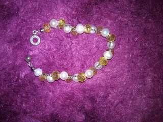 Pearl bead bracelet