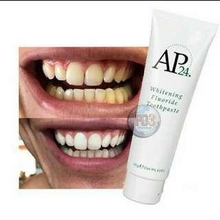 Pemutih dan pembersih gigi AP24