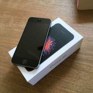 Apple iPhone SE 64gb black space gray