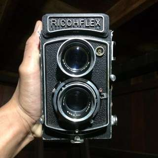 Ricohflex TLR camera medium format