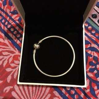 Pandora SMALL bangle