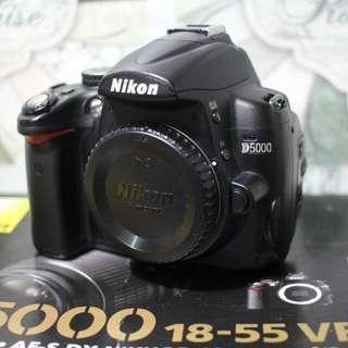 Nikon D5000 lens 18-55mm