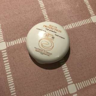 Avene high protection tinted compact SPF50 beige