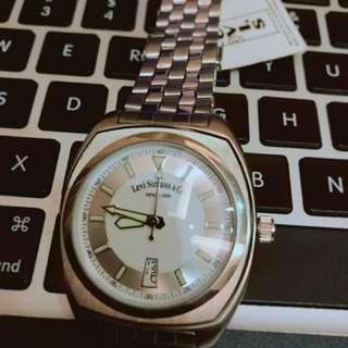 Levi's 經典不鏽鋼男士腕錶