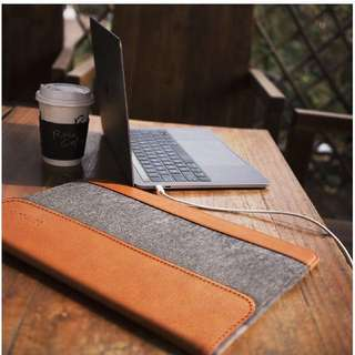 "Tomtoc Ultra Slim Sleeve Case Felt & PU Leather Laptop Protective Bag with Accessory Pocket For 10.5"" iPad Pro 12"", 13-13.3"" laptops 13"" & 15"" New MacBook Pro 2017 & 2016 edition"