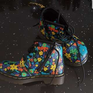 Dr Martens floral design boots for toddler girl
