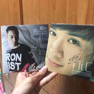 Nic Lee Autographed Album