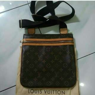 Louis Vuitton Bosphore