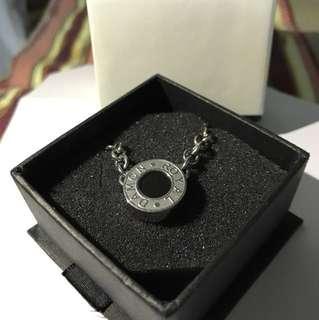 精鋼鑲天然寶石頸鏈(原價$790)