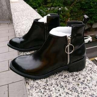 全新免運 PAZZO 旗下 TOPPIX品牌 韓國圓環拉鍊皮革短靴 38號 黑色短靴 百搭 MERCCI22 ZARA