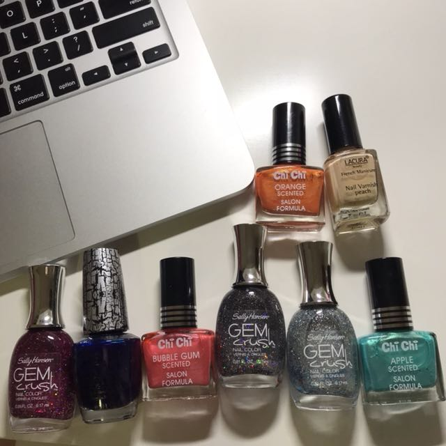 $5 Assorted nail polish bundle